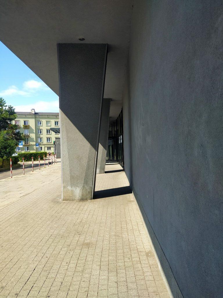 Biprocemwap office building pilotis